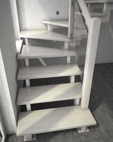 лестница из дуба на каркасе из металла