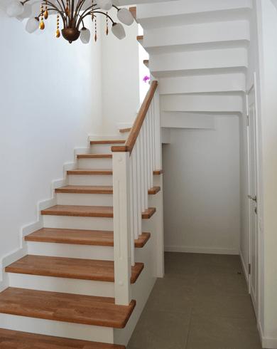 Вибір сходів для другого поверху в залежності від виду будівлі